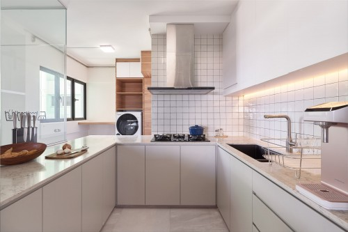 Scandinavian Resale Executive HDB by DB Studio Pte Ltd