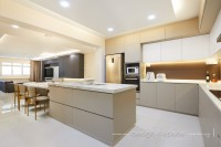 Modern Resale 5-Room HDB by Design 4 Space Pte Ltd