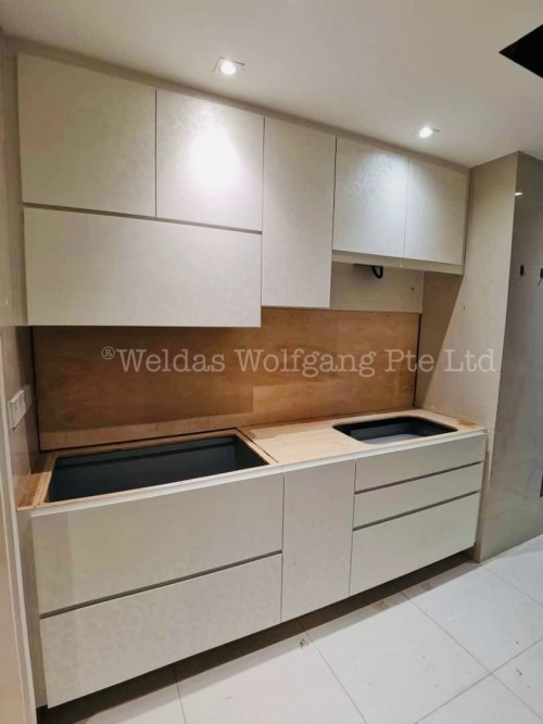 Modern New Condominium by Weldas Wolfgang