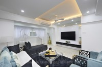 Modern Resale Executive HDB by U-Home Interior Design Pte Ltd