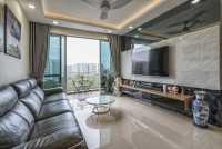 Modern Resale Condominium by U-Home Interior Design Pte Ltd