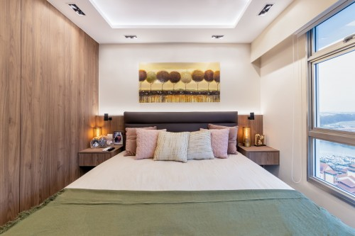 Modern Resale 5-Room HDB by Livspace
