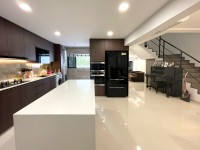 Contemporary Resale Executive HDB by Sky Creation