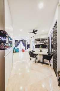 Transitional Resale Condominium by MET Interior