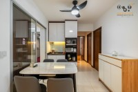 Contemporary Resale 4-Room HDB by Dots 'N' Tots Interior Pte Ltd