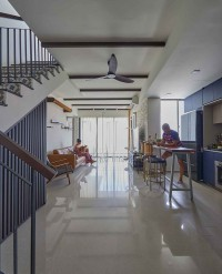 Contemporary Resale Condominium by The Interior Lab Pte Ltd