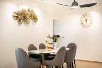Modern Resale 5-Room HDB by U-Home Interior Design Pte Ltd