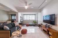Modern Resale 5-Room HDB by Livspace