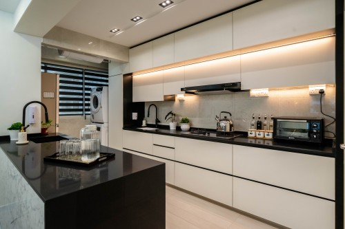 Contemporary Resale 4-Room HDB by Areana Creation Pte Ltd